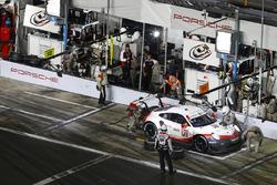 Pitstop, #911 Porsche Team North America Porsche 911 RSR, GTLM: Patrick Pilet, Nick Tandy, FrŽdŽric Makowiecki