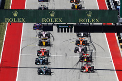 Lewis Hamilton, Mercedes AMG F1 W08, Sebastian Vettel, Ferrari SF70H, líder al inicio