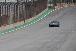 João Doria dá volta rápida em Ferrari