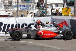 Heikki Kovalainen, McLaren MP4-24 choca