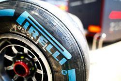 Detalle de un neumático Pirelli