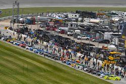 The grid Paul Menard, Wood Brothers Racing, Ford Fusion Menards / Sylvania