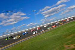 Joey Logano, Team Penske, Fitzgerald Glider Kits Ford Mustang, Chase Elliott, JR Motorsports, Hellma