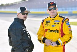 Michael McDowell, Front Row Motorsports, Ford Fusion Love's Travel Stops and David Gilliland