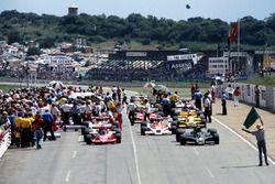 Startaufstellung: Mario Andretti, Lotus 78; Niki Lauda, Brabham BT46