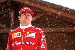 Kimi Raikkonen en la nieve