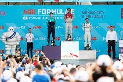 Daniel Abt, Audi Sport ABT Schaeffler, festeggia sul podio con Oliver Turvey, NIO Formula E Team, Sébastien Buemi, Renault e.Dams