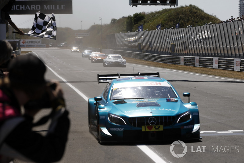 Race winner Gary Paffett, Mercedes-AMG Team HWA, Mercedes-AMG C63 DTM