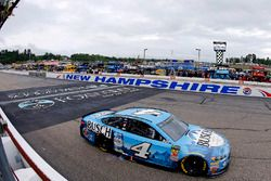 Kevin Harvick, Stewart-Haas Racing, Ford Fusion takes the win