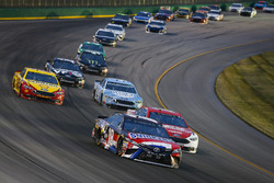 Kyle Busch, Joe Gibbs Racing, Toyota Camry NOS Energy Drink e Ryan Blaney, Team Penske, Ford Fusion DEX Imaging