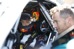 Sébastien Ogier guida la Mercedes-AMG C63 DTM con Timo Scheider