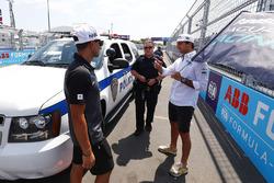 Mitch Evans, Jaguar Racing, andNelson Piquet Jr., Jaguar Racing, with New York City police