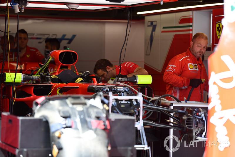 Ferrari SF71H dans le garage