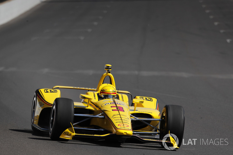 DNF: Helio Castroneves, Team Penske, Chevrolet