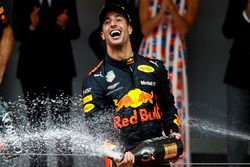 Race winner Daniel Ricciardo, Red Bull Racing, sprays Champagne on the podium