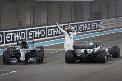 Il secondo classificato Lewis Hamilton, Mercedes AMG F1, il vincitore della gara Valtteri Bottas, Mercedes AMG F1