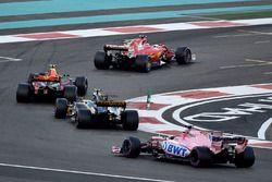 Kimi Raikkonen, Ferrari SF70H, Max Verstappen, Red Bull Racing RB13, Carlos Sainz Jr., Renault Sport