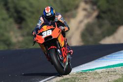 Bradley Smith, Red Bull KTM Factory Racing, en la hierba