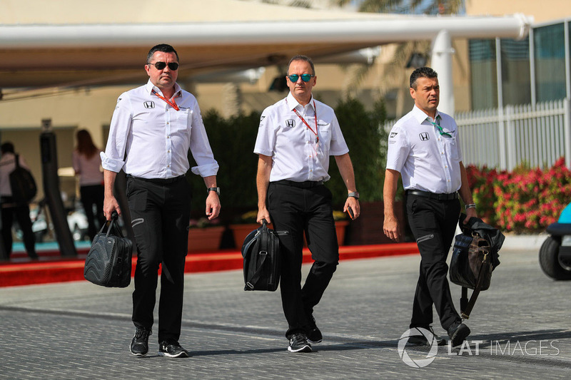 Eric Boullier, Director Ejecutivo de McLaren y Jonathan Neale, McLaren Director