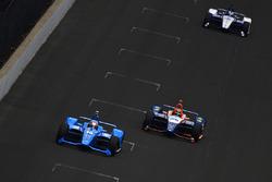 Эд Джонс, Chip Ganassi Racing Honda, и Джей-Ар Хильдебранд, Dreyer & Reinbold Racing Chevrolet