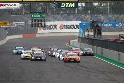 Herstart, Lucas Auer, Mercedes-AMG Team HWA, Mercedes-AMG C63 DTM vooraan