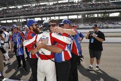 Tony Kanaan, A.J. Foyt Enterprises Chevrolet, crew