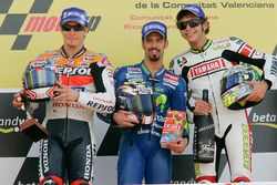 Podium: race winner Marco Melandri, second place Nicky Hayden, third place Valentino Rossi