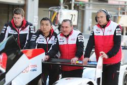 Toyota Gazoo Racing takım elemanları