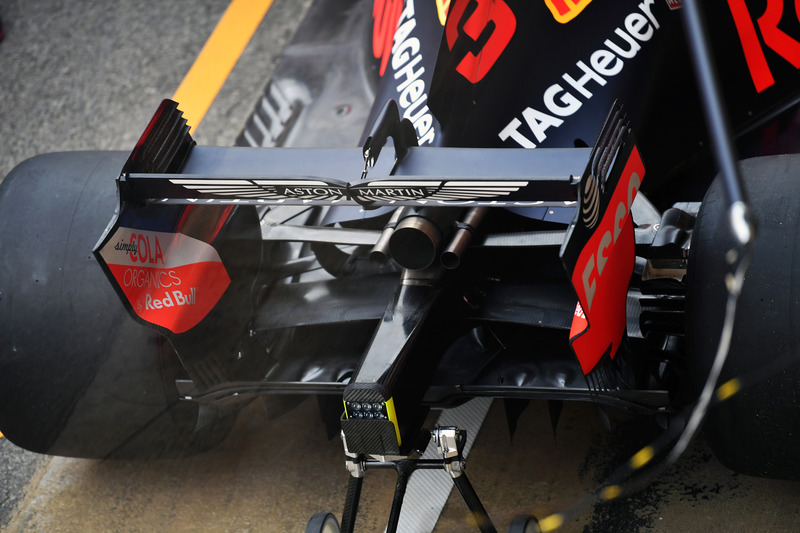 Red Bull Racing RB14 arka kanat detay