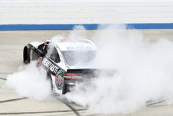 Race winner Kevin Harvick, Stewart-Haas Racing, Ford