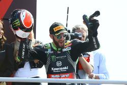 Podyum: Yarış galibi Tom Sykes, Kawasaki Racing