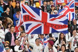 Lewis Hamilton, Mercedes-AMG F1 fans en vlaggen