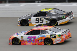 Chris Buescher, JTG Daugherty Racing, Chevrolet Camaro Scott Comfort Plus Kasey Kahne, Leavine Famil