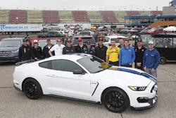 Aric Almirola, Stewart-Haas Racing, Ford Fusion Mobil 1 Ryan Blaney, Team Penske, Ford Fusion DEX