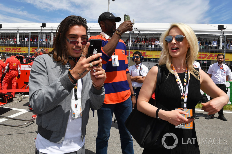 Hector Bellerin, Footballer on the grid