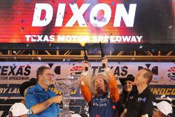 Scott Dixon, Chip Ganassi Racing Honda vuurt de revolvers af