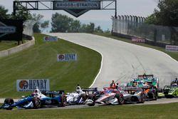 Will Power, Team Penske Chevrolet, Ed Jones, Chip Ganassi Racing Honda