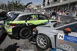 Crash in the first race, Pepe Oriola, Team Oscaro by Campos Racing Cupra TCR, Zsolt Szabó, Zengo Motorsport Cupra TCR