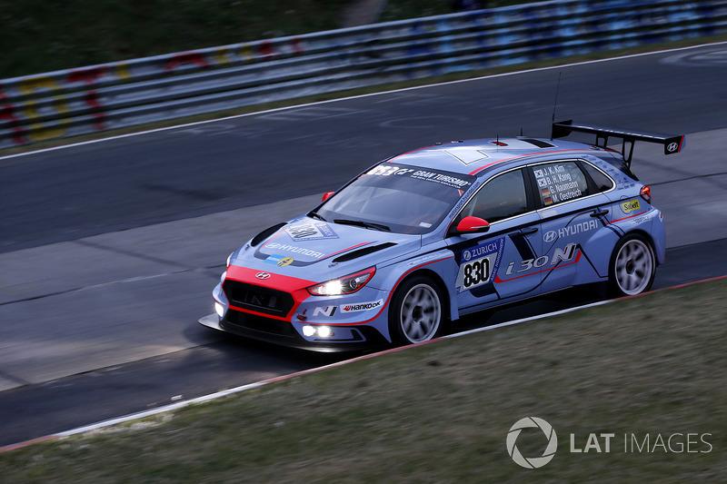 #830 Hyundai Motorsport N Hyundai i30N TCR: Jae Kyun Kim, Moritz Oestreich, Byung Hui Kang, Guido Naumann