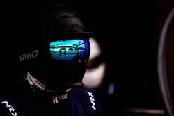 United Autosports reflejo en el casco