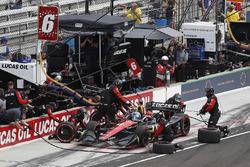Robert Wickens, Schmidt Peterson Motorsports Honda, s'arrête aux stands