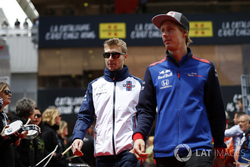 Sergey Sirotkin, Williams and Brendon Hartley, Scuderia Toro Rosso pilotlar geçit töreninde