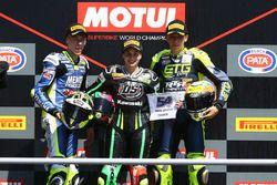 Podio: la vincitrice della gara Ana Carrasco, il secondo classificato Borja Sanchez, il terzo classificato KevinSabatucci
