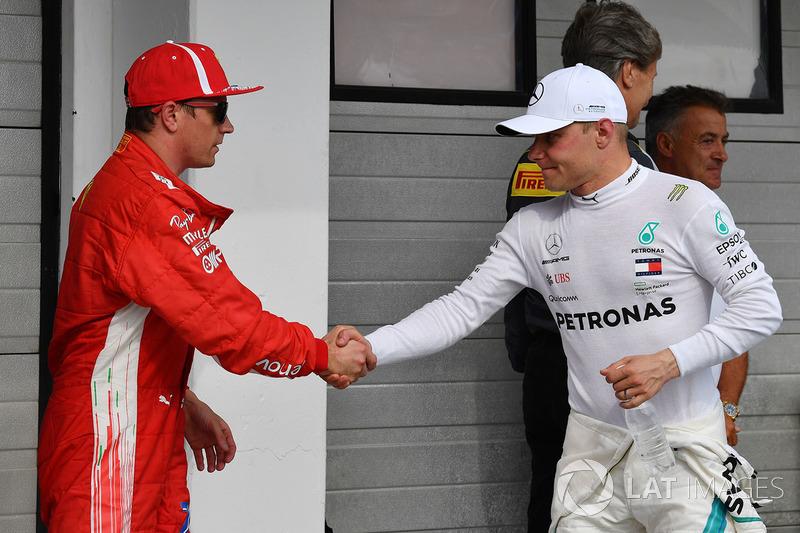 Pole sitter Lewis Hamilton, Mercedes AMG F1, second place Valtteri Bottas, Mercedes AMG F1