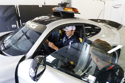 Esteban Ocon, Force India VJM11 Mercedes, checks out the Safety Car