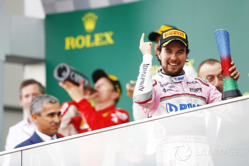 Podio: tercer lugar, Sergio Perez, Force India, celebra