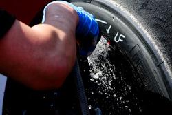 Lavado de neumáticos