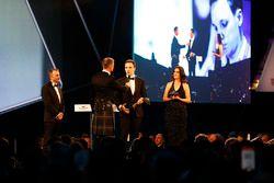 David Coulthard ve Autosport Williams Geleceğin Mühendisi Ödülü galibi Martins Zalmans