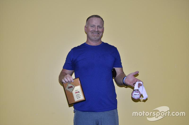 FARA MP3B Enduro Third-Place Matt Flick of Scuderia Shell Burbank