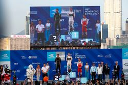 Podio: ganador, Sam Bird, DS Virgin Racing, segundo Jean-Eric Vergne, Techeetah, tercero Nick Heidfe